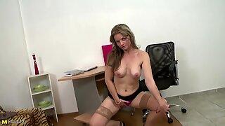 Sexy mature moms with thirsty vaginas