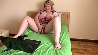mature busty bbw milf with hairy cunt, masturbation on webcam, orgasm
