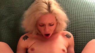Lexy Lake Fan fucks her ass and pussy Cum drips