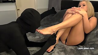 Lacie James makes stranger to munch his man-cream from her soles