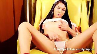 Nurse Vitress Tamayo in Cosplay