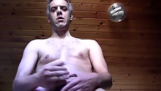 MATURE AMATEUR MAN NAKED CUM WITH HAIRY COCK AND HARD, BIG AND WET NIPPLES