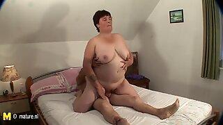 Big mature slut sucking and fucking