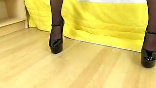 German milf Kristine Von Saar lowers her panties