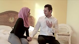 Muslim Teen Stepdaughter With Big Natural Tits Ella Knox Gets Her Strict Mom Back By Fucking Her Stepdad
