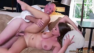 Milf body cumshot compilation Ivy impresses with her giant breasts and ass - Ivy Young